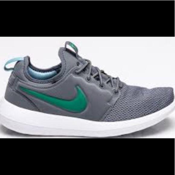 premium selection 2911b 1001b Nike Roshe 2: Celtics Green, Sz8, NWB, COMFY AF!! Boutique